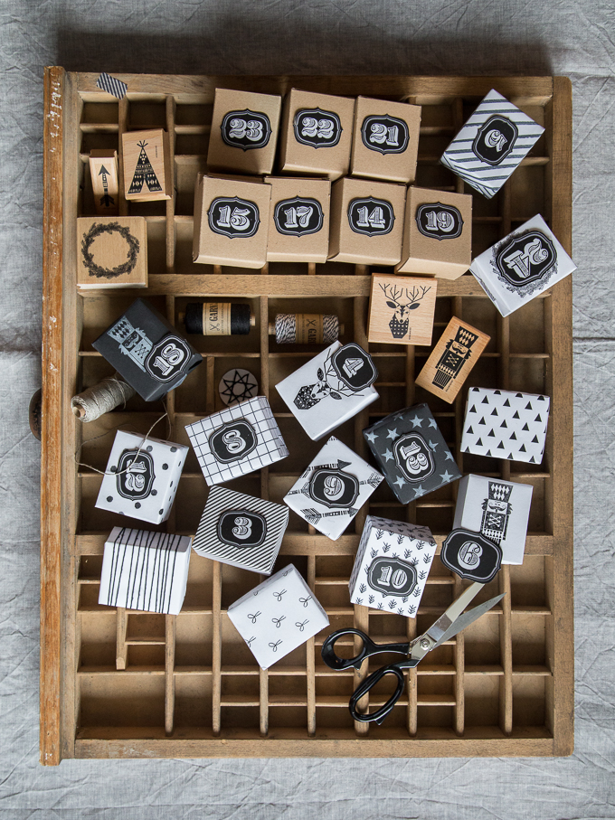 Advent calendar DIY black-and-white with linen twine and stamps | GARN & MEHR