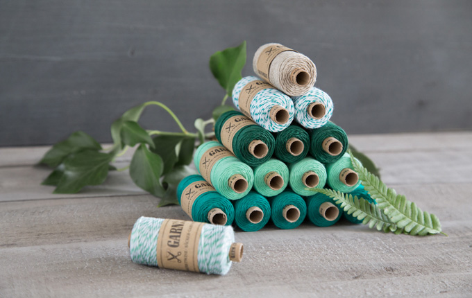 Spools of bakers twine in shades of green for urban jungle DIYs - www.garn-und-mehr.de